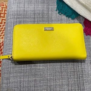 Large Kate Spade wallet with many compartments!